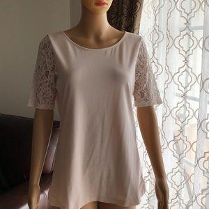Tops - Women's short sleeve T-shirt ! ⭐️